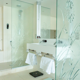 bespoke decorative glass for shower screens and bathrooms